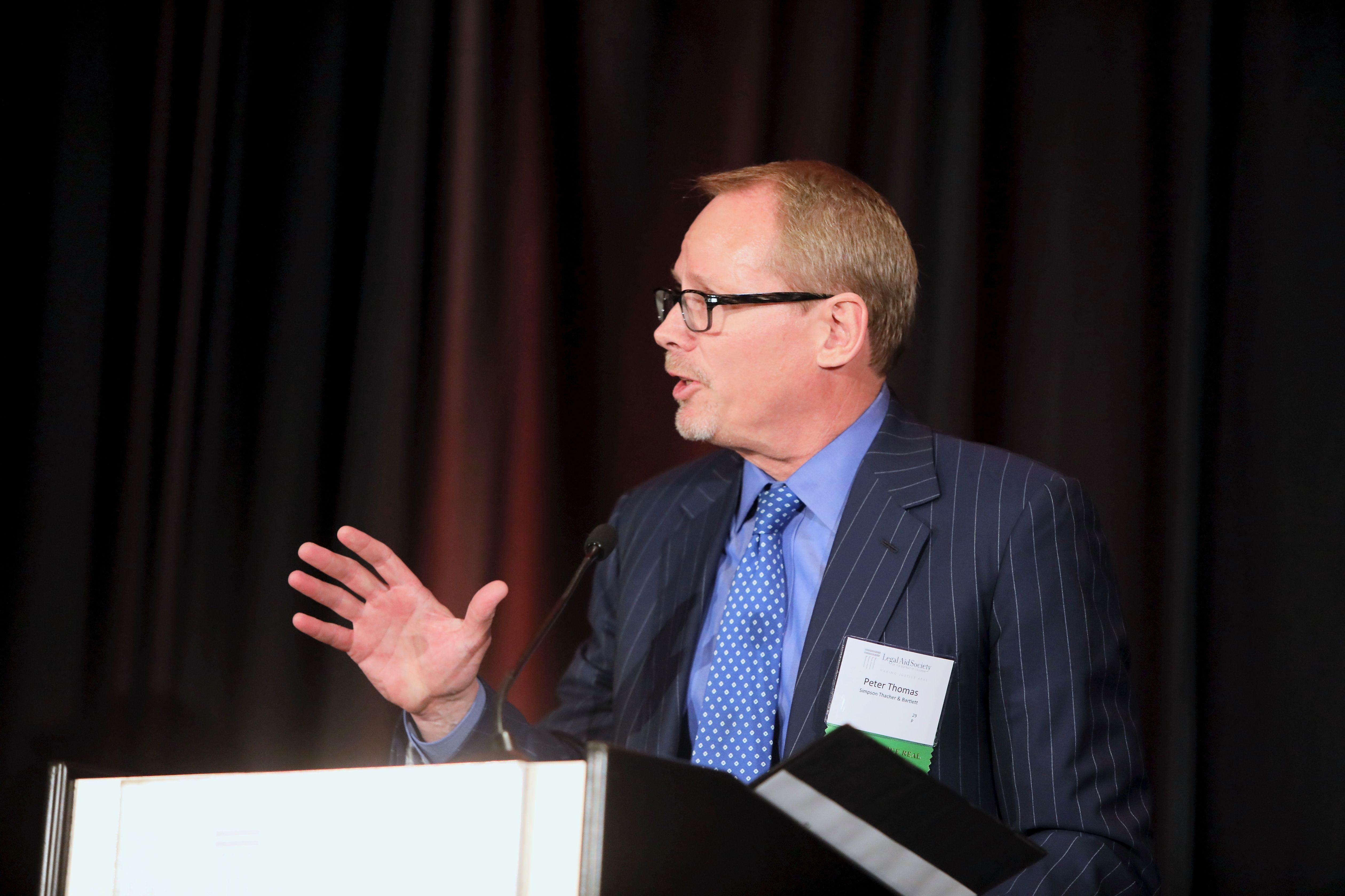 Photo of Dinner Co-Chair Peter Thomas of Simpson Thacher and Bartlett